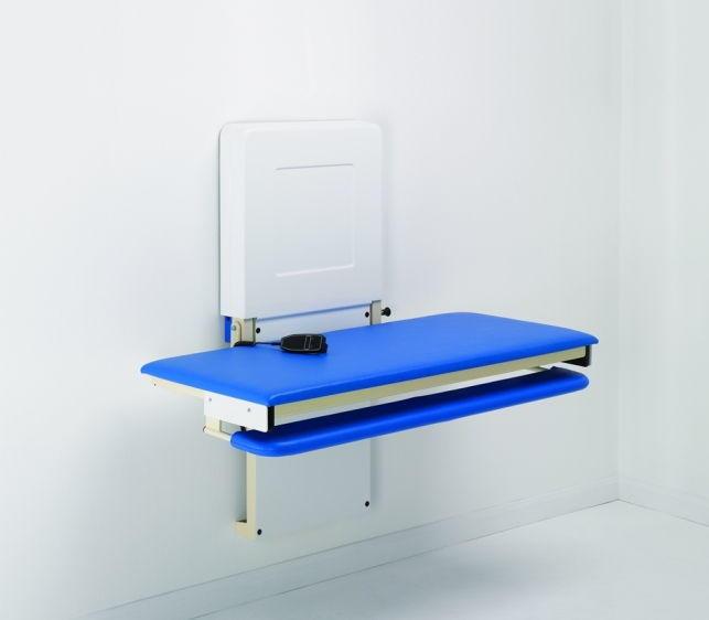 Pflegeliege höhenverstellbar wandmontiert